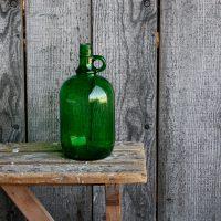 Groene fles oor