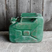Oude jerrycan 10L